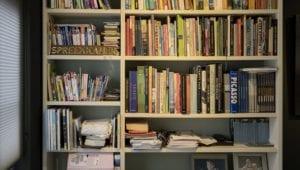 Boekenkast aangelicht
